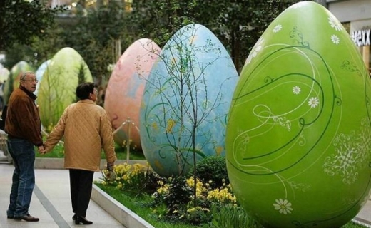 Giant Easter Eggs